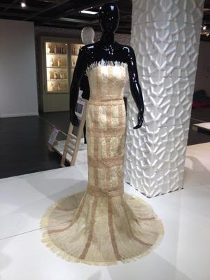 Baobab Couture, 2015 Pièce unique créée pour Textifood par Éric Raisina en fibres issues de l'écorce de baobab, fibres tissées et crochetées.